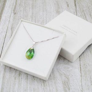 Srebrna ogrlica Pear Erinite Shimmer Swarovski