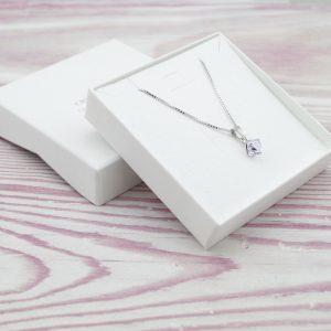 Srebrna ogrlica Cube Violet