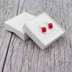 Srebrni uhani Cube Siam Swarovski
