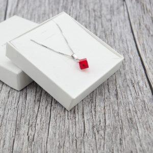 Srebrna ogrlica Cube Light Siam Swarovski