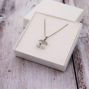 Otroška srebrna ogrlica Češnja kristal Swarovski