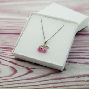 Otroška srebrna ogrlica Češnja roza Swarovski