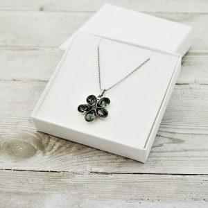 Srebrna ogrlica Flower Black Diamond Swarovski